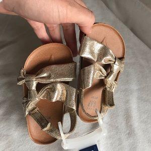 Gap 5T/6T Gold Sandals